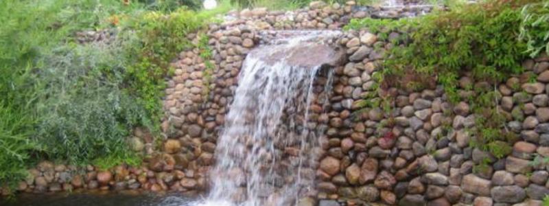 Водопад на даче своими руками: техническая сторона вопроса