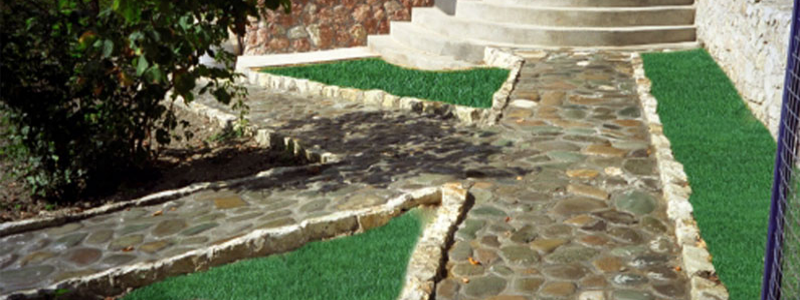Как сделать садовые дорожки своими руками: варианты и их особенности