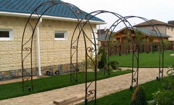 арка садовая металлическая фото