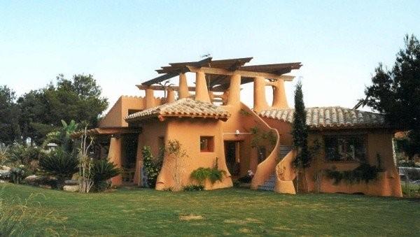 как построить дом из соломы фото