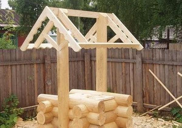 как построить домик для колодца фото