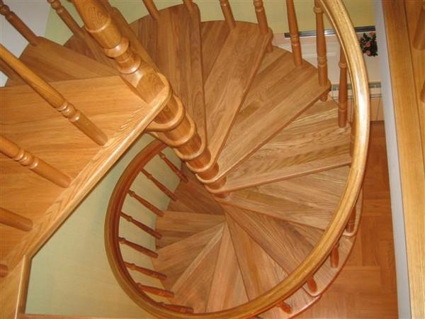 лестницы винтовые на второй этаж для дачи