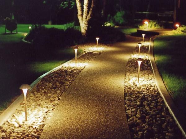 ландшафтное освещение сада фото