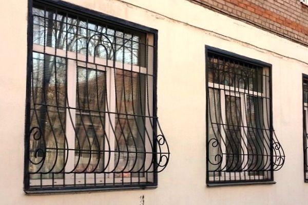 решетки на окна для дачи фото