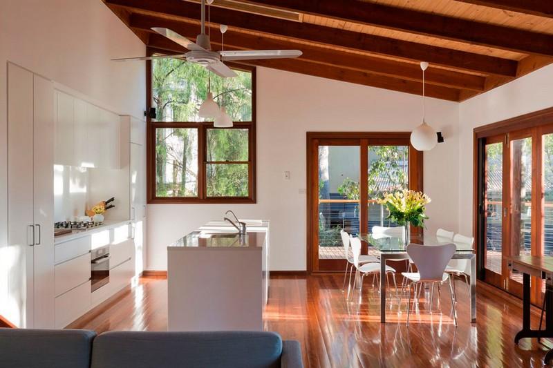 интерьер деревянной дачи фото