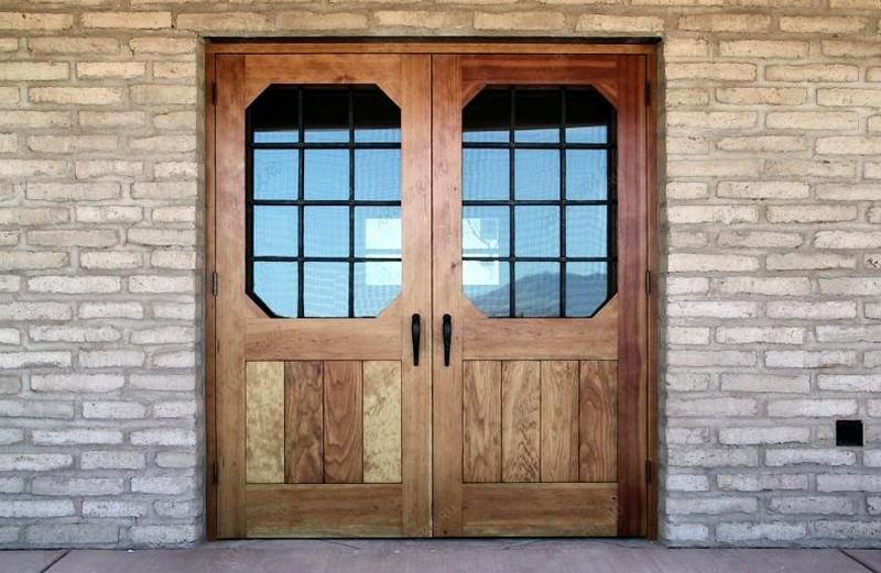 уличные деревянные двери для дачи фото