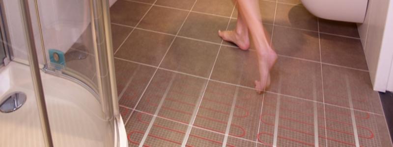 Теплый пол под плитку: какой именно и как правильно установить своими руками