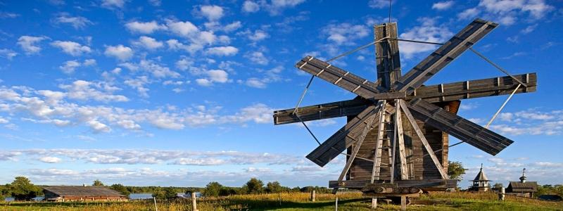 Ветряные мельницы: декор для дачи?