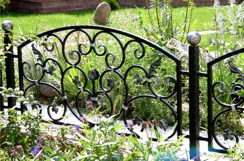 забор для палисадника из металла фото