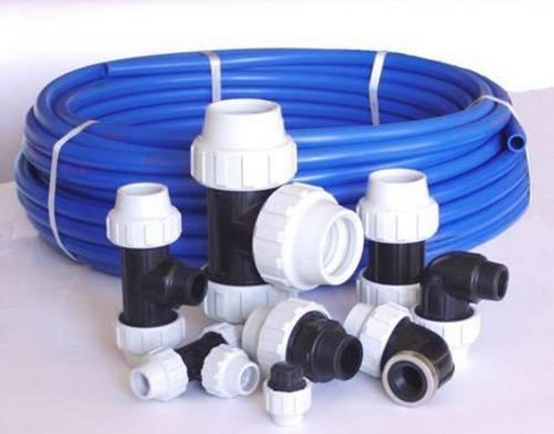 пластиковые трубы для водопровода на даче монтаж фото
