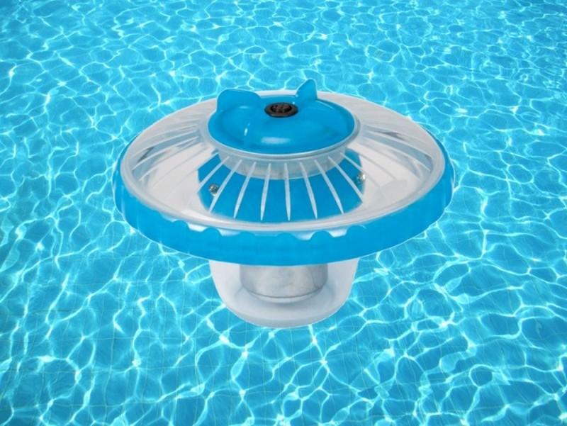 плавающий светильник для бассейна фото
