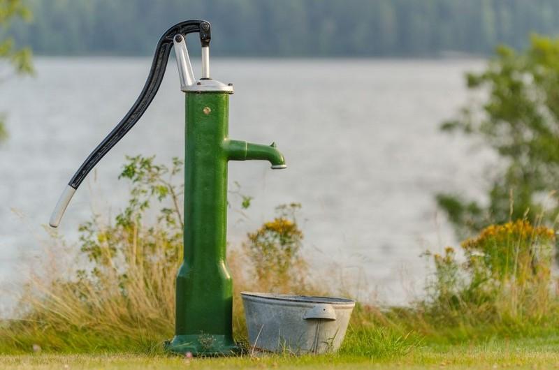 ручной насос для откачки воды фото