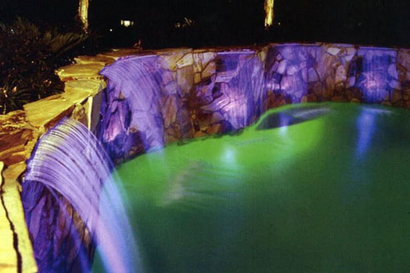 светильники для бассейна фото