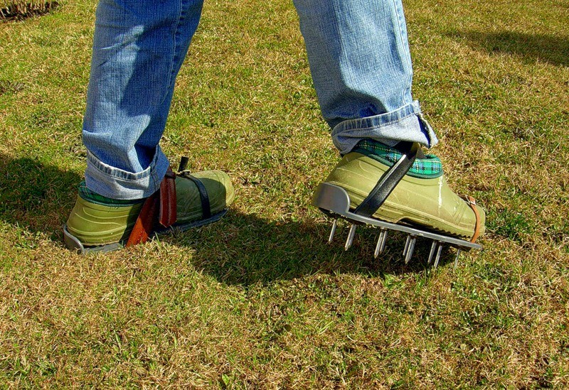 аэратор ножной для газона фото