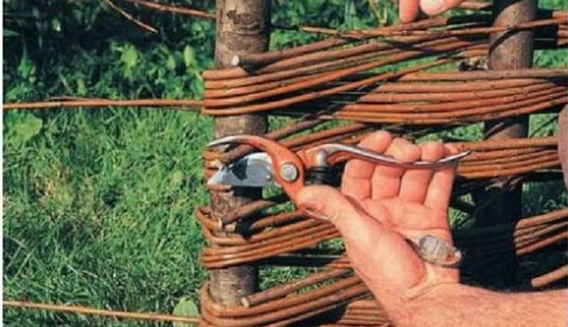 как сделать плетень своими руками фото