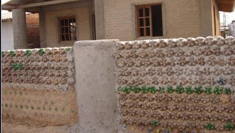 забор из пластиковых бутылок своими руками фото
