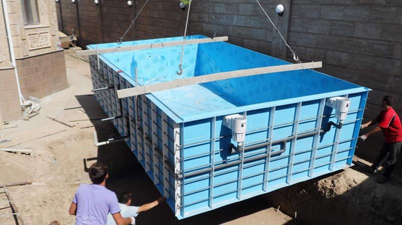 установка бассейна из полипропилена фото
