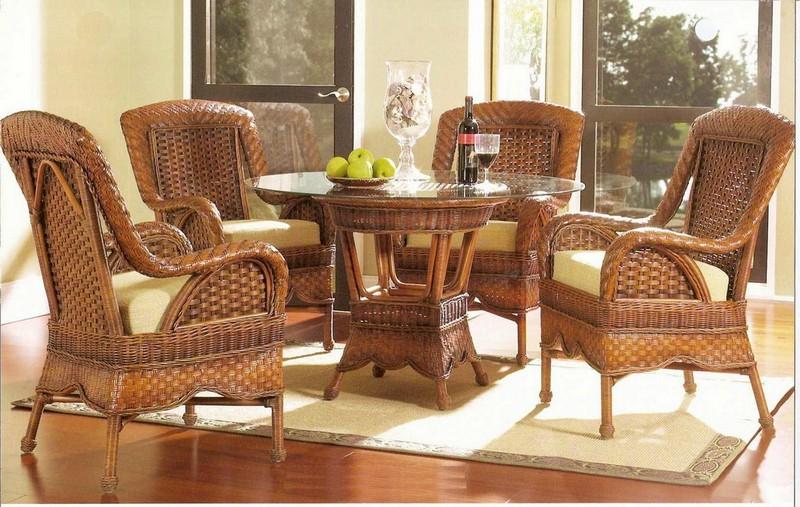 стол и стулья для дачи из ротанга фото