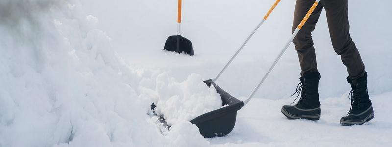 Лопаты для уборки снега: ручные и механические
