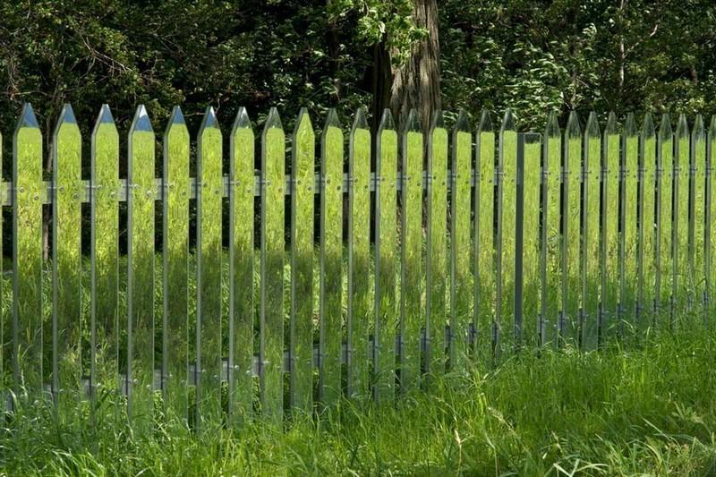 зеркальный забор фото