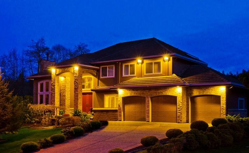 светодиодные прожекторы на даче фото
