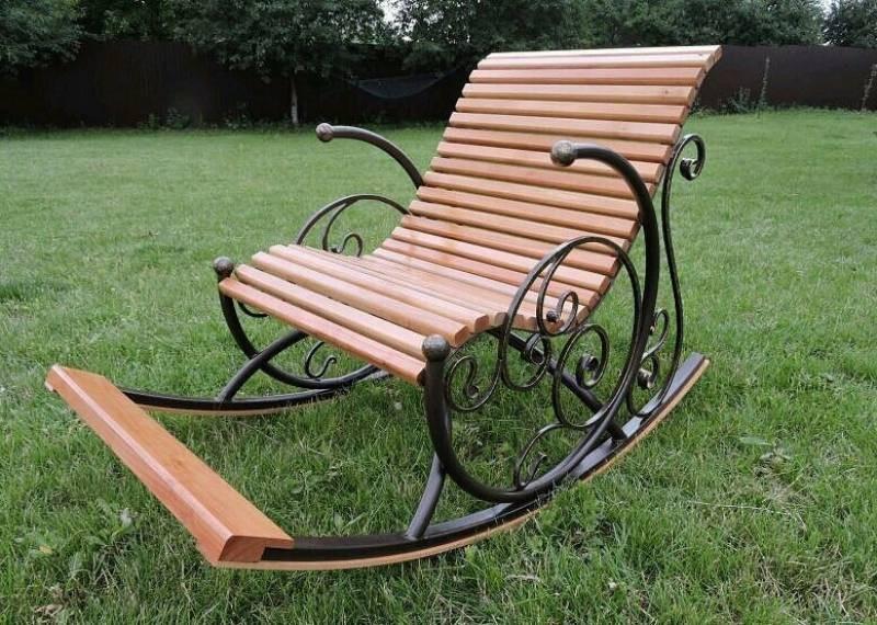 кресло качалка для дачи фото