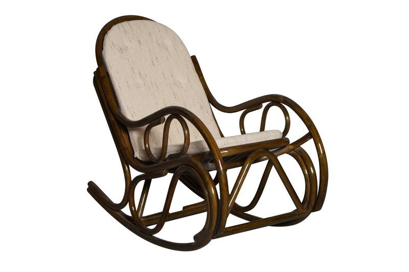кресло качалка из ротанга фото