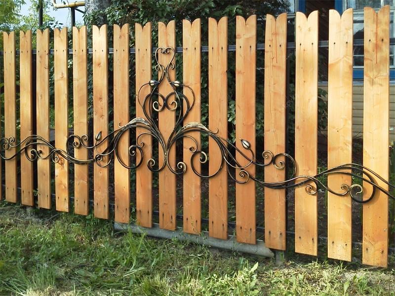 ковано деревянный забор фото