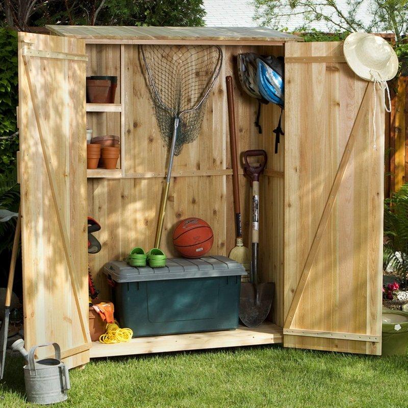 деревянный хозяйственный шкаф фото