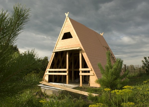 Как построить небольшой домик на участке своими руками фото 829