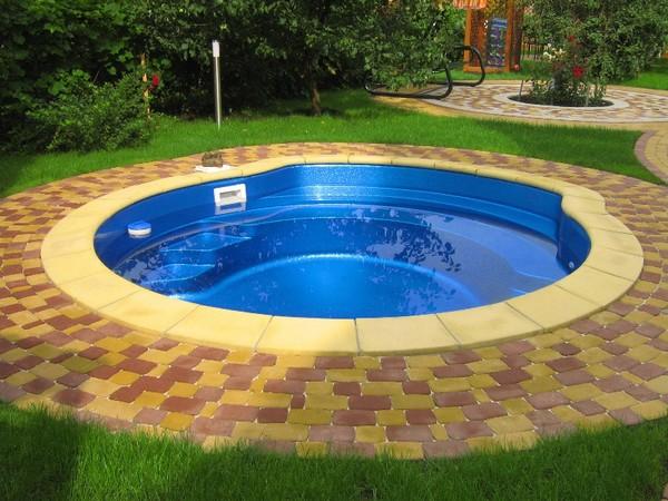 лучший бассейн для дачи фото