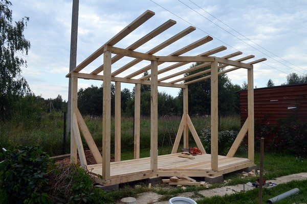 как построить летний душ на даче своими руками фото