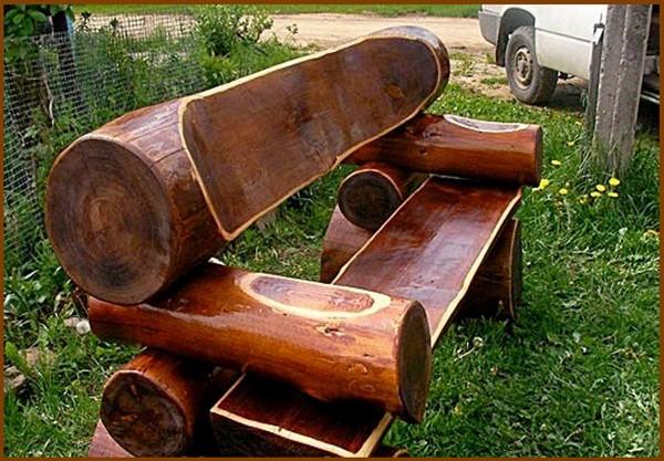 скамейки из бревен для дачи своими руками фото