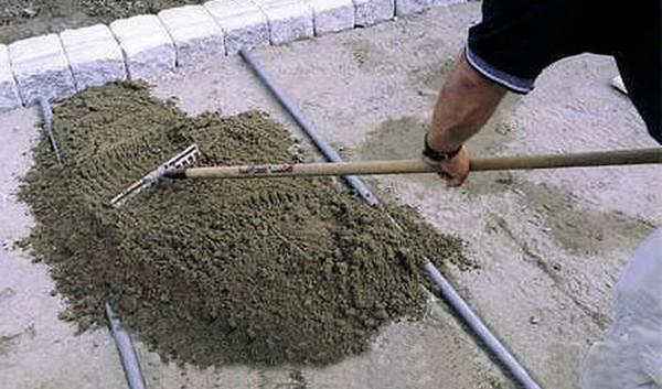 Технологія укладання тротуарної плитки на дачі