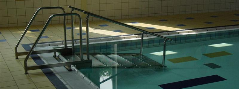 Лестница для бассейна: из чего и как изготовить