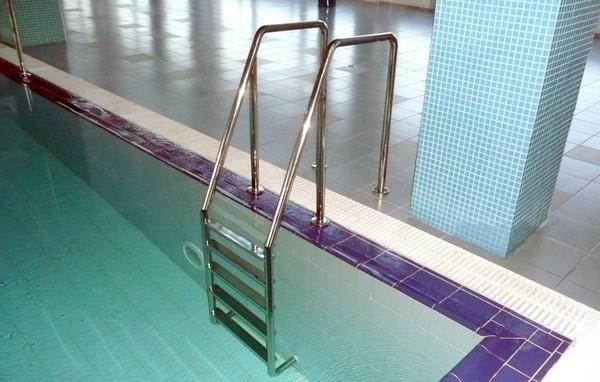 лестница для бассейна фото