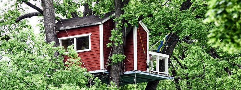 Как сделать домик на дереве: варианты изготовления