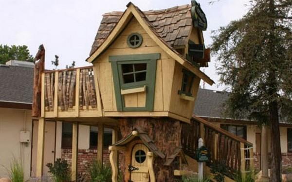 идеи для детской площадки: домик на дереве