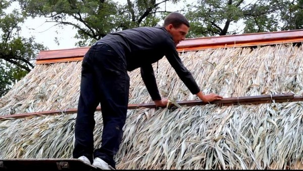 строительство домов из соломы фото