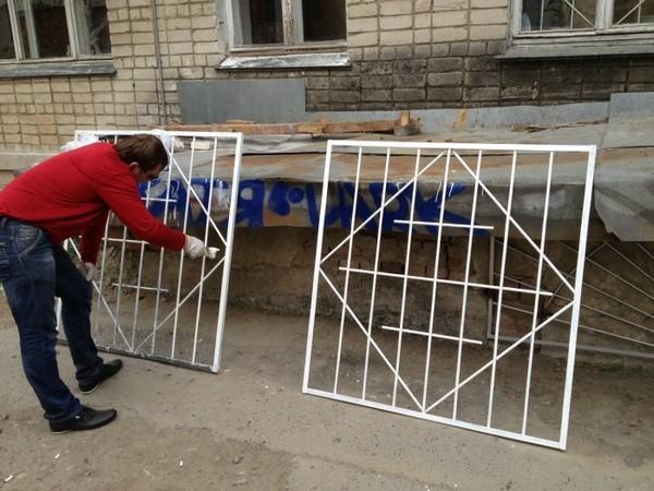 решетки на окна для дачи своими руками фото