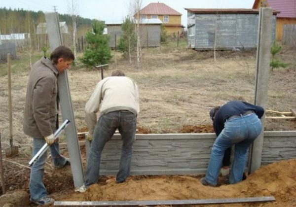 монтаж бетонного забора фото