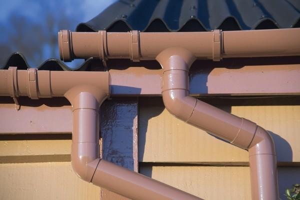 водосток с плоской крыши фото