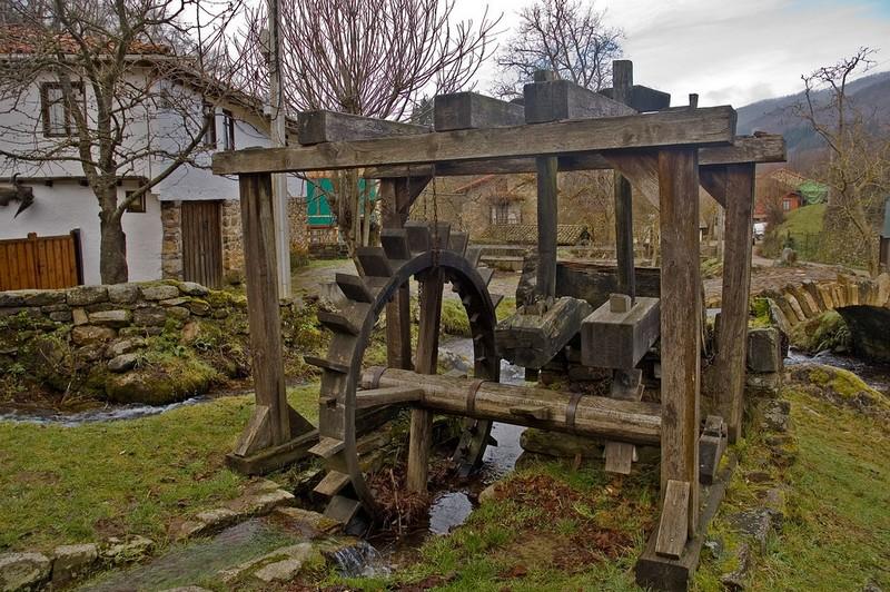 водяная мельница фото