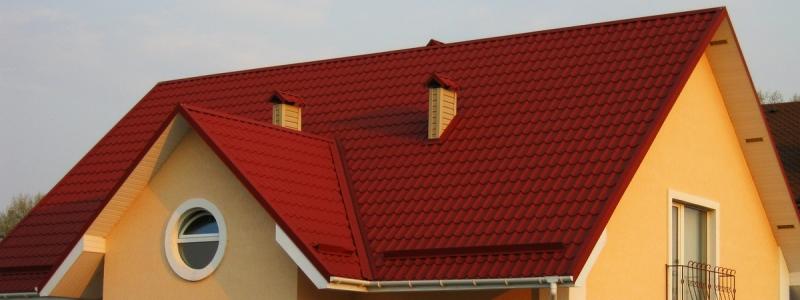 Крыша из металлочерепицы: преимущества, особенности, тонкости монтажа