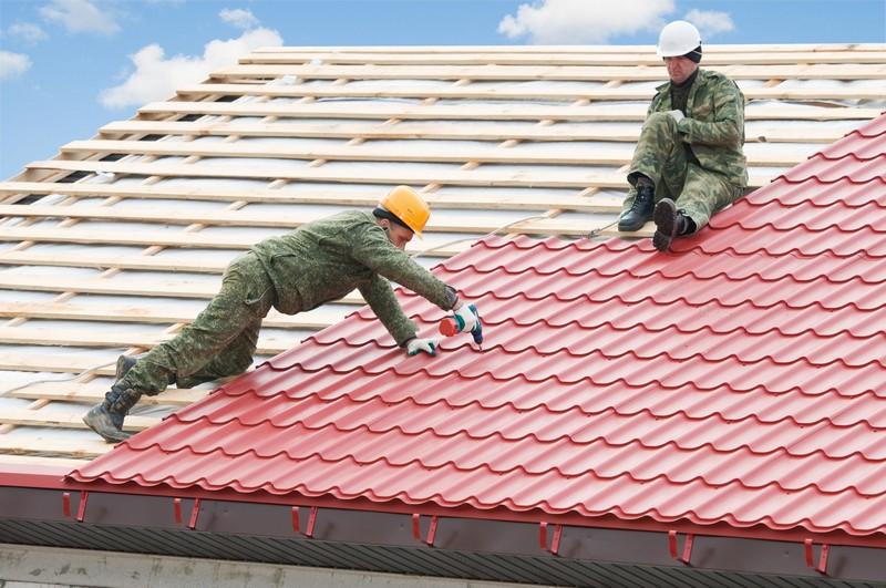 монтаж крыши из металлочерепицы фото