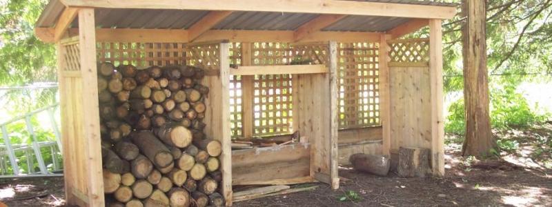 Навес для дров: как сделать своими руками на даче