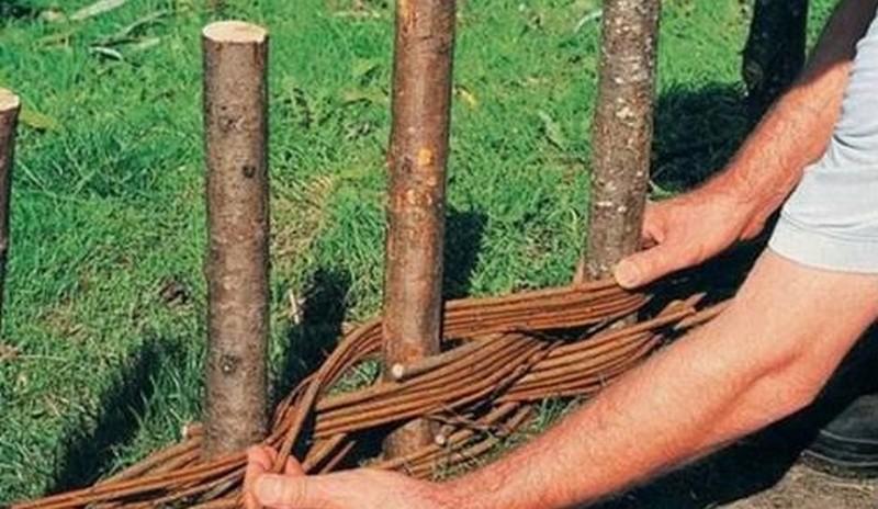 плетень на даче своими руками фото