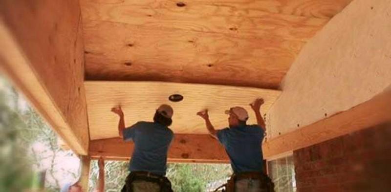 чем подшить деревянный потолок фото