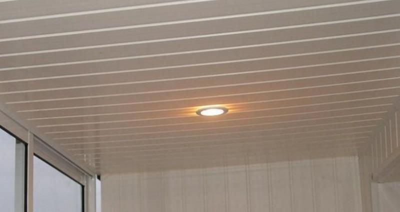 чем подшить потолок в деревянном доме фото