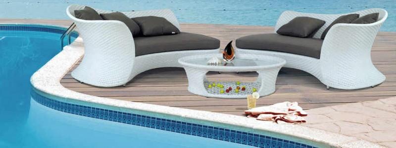 Мебель из ротанга для дачи и особенности ее выбора
